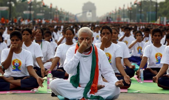Thousands join India's Modi for world yoga celebration