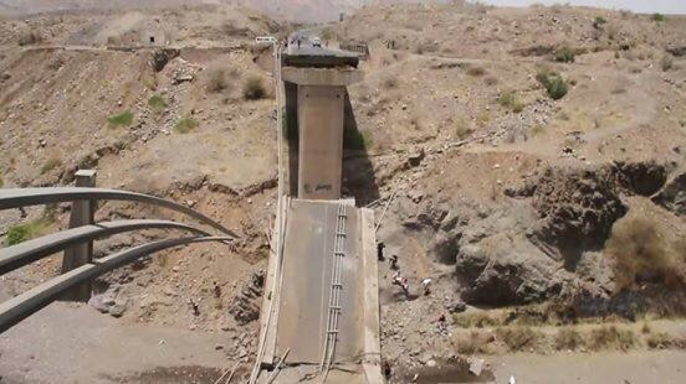 A major bridge in Yemen destroyed by Saudi warplanes