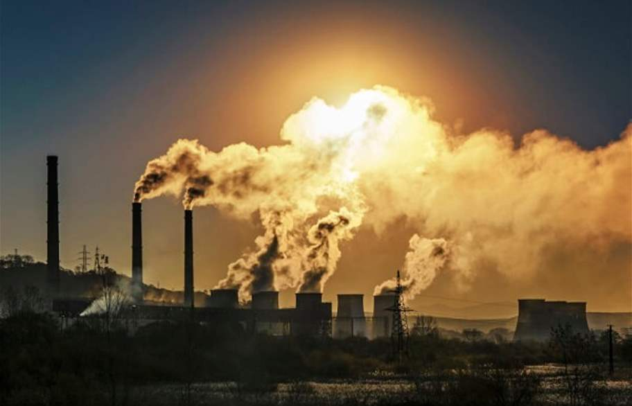 EU emission cuts on track to meet climate pact target