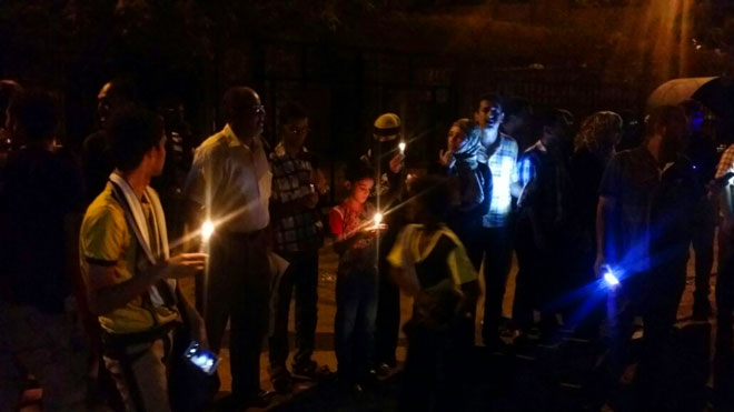 Citizens taking to Aden streets following blackout