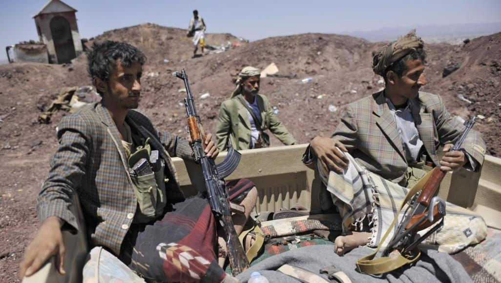 Armed Houthi gunmen on one of the battle fronts - Archive