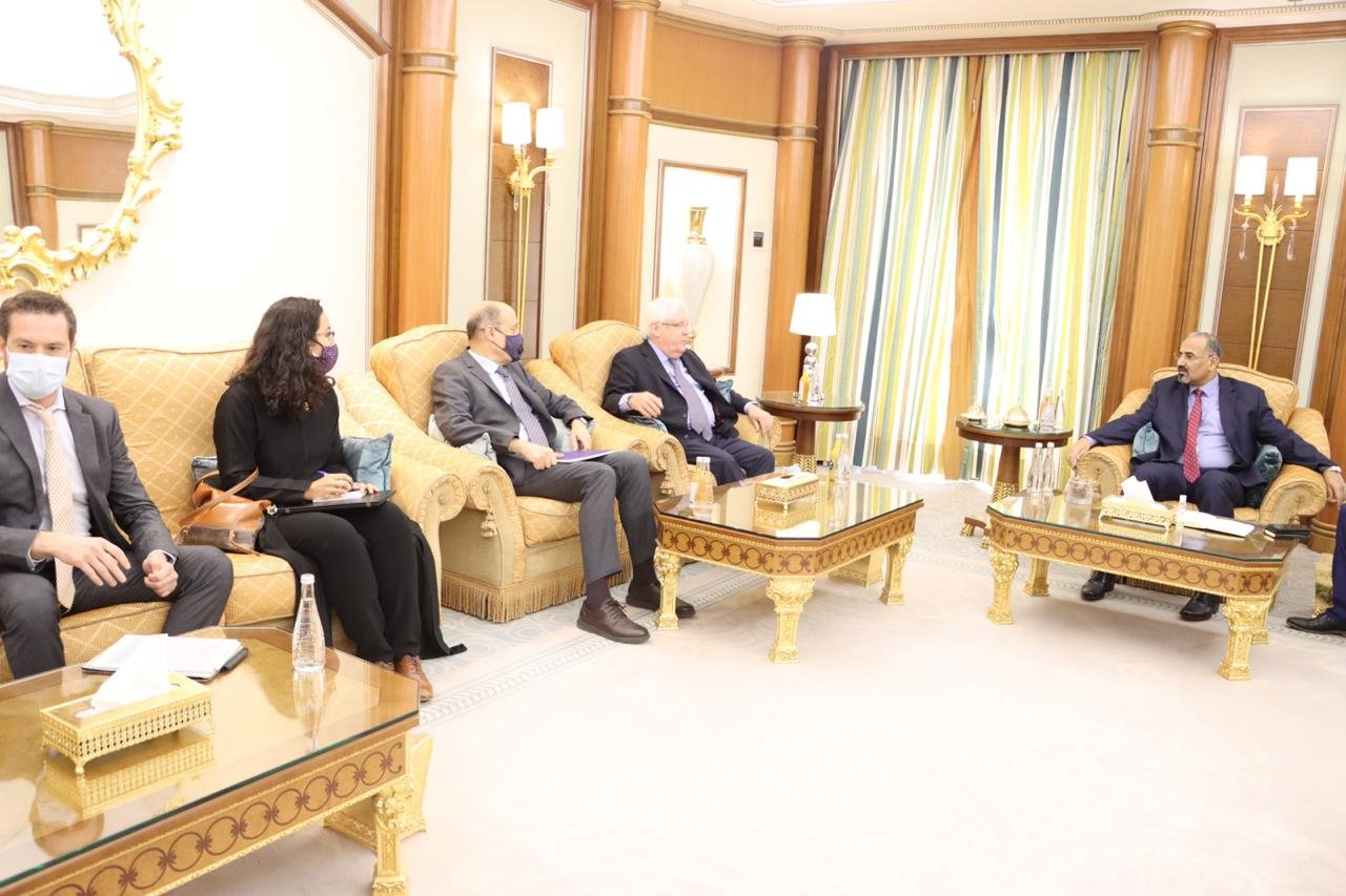 Al-Zubaidi at a meeting with UN envoy to Yemen, Martin Griffiths,  at his residence in Riyadh