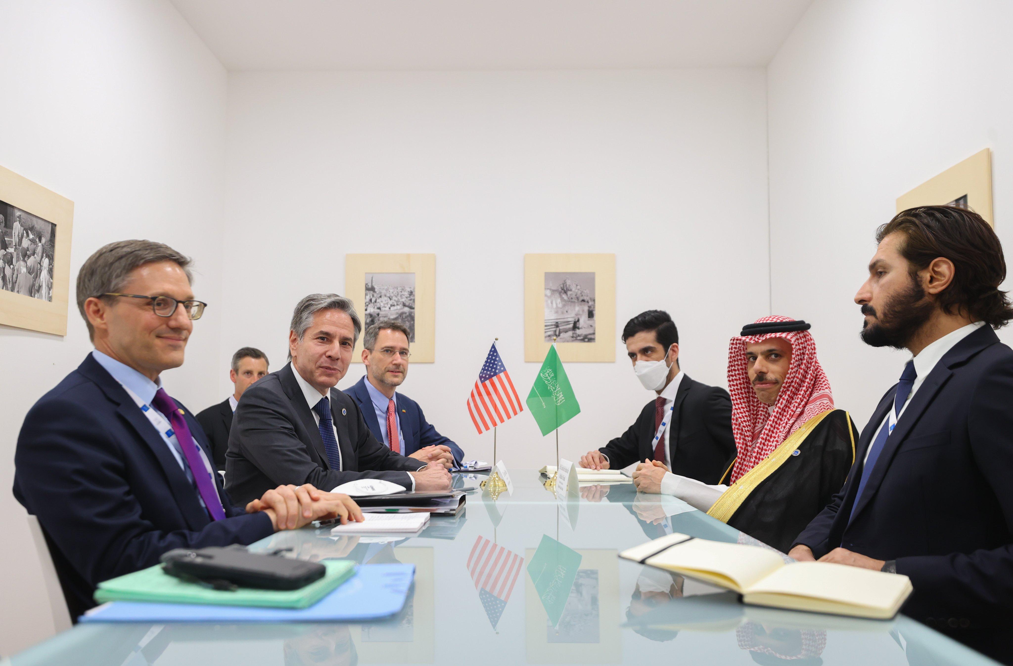 لقاء بين وزيري الخارجية الامريكي والسعودي بشأن اليمن